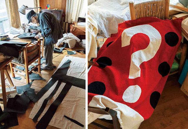画像: (左)アトリエで制作中。型紙は下書きをせず、ハサミでカットしてつくる (右)《柚木沙弥郎 Qui est?》 2019年4月、ギャラリーTOMにて同名の展覧会が開催された 'SAMIRO YUNOKI STYLE & ARCHIVES'  © GRAPHICSHA