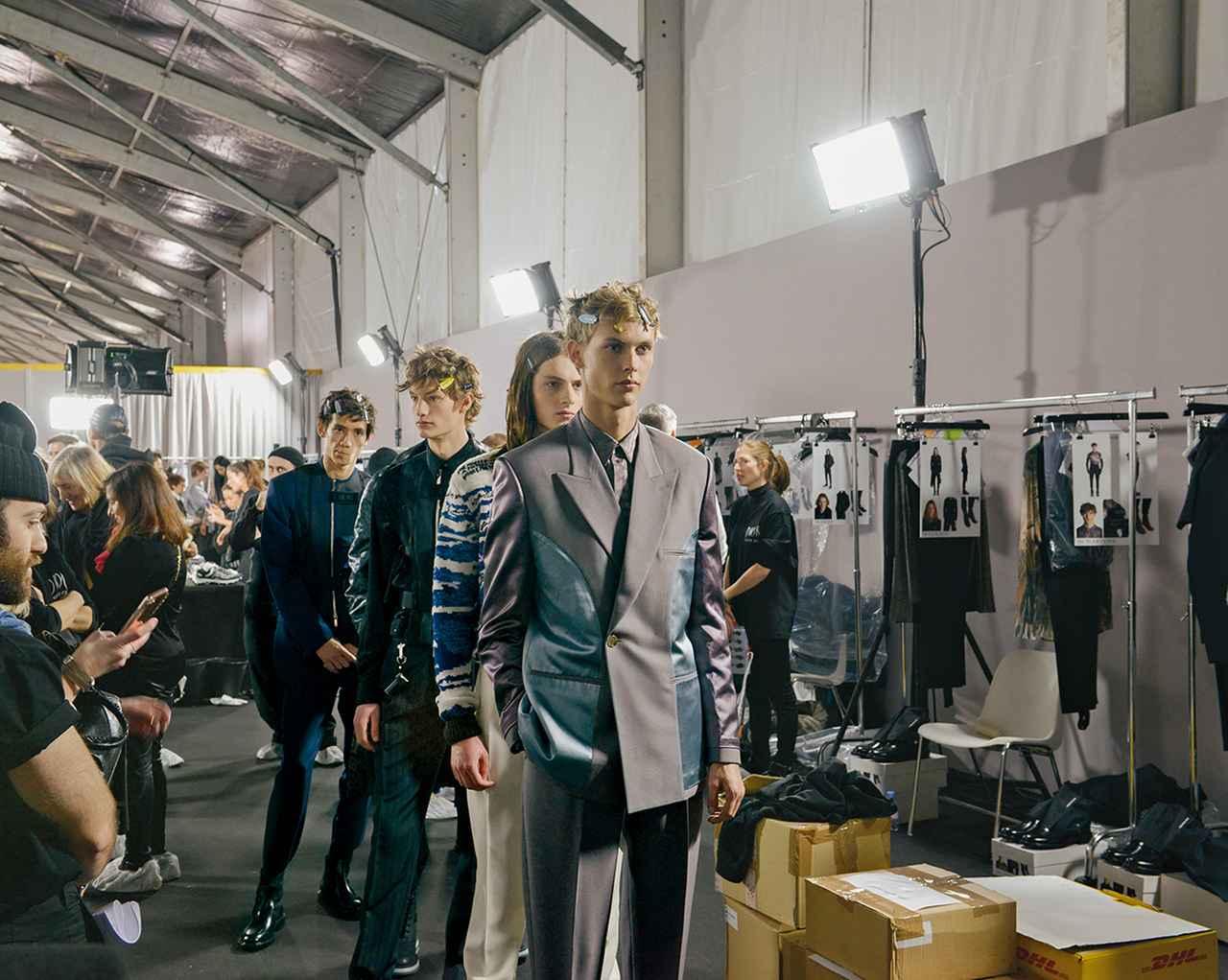 Images : 7番目の画像 - 「対極の要素が共存する 「ディオール」 キム・ジョーンズの世界」のアルバム - T JAPAN:The New York Times Style Magazine 公式サイト
