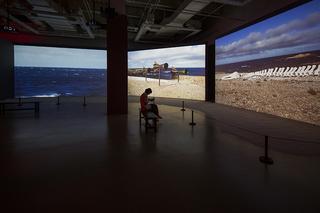 『クリスチャン・ボルタンスキー – Lifetime』|国立新美術館