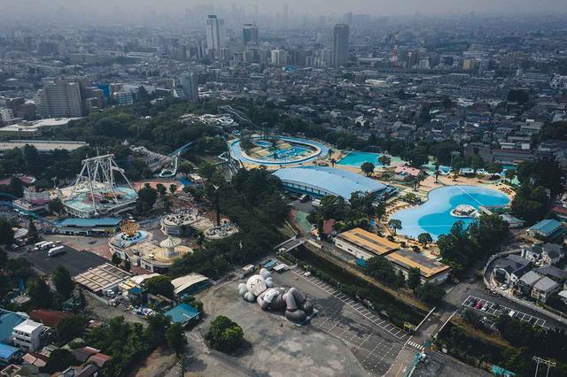 画像: 《KAWS:HOLIDAY JAPAN》のためのテスト作品。その様子は、 カウズのインスタグラム で公開された