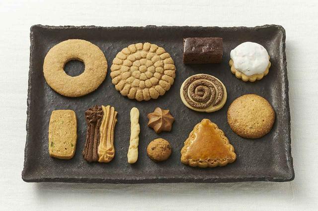 画像: 形も風味もバラエティ豊か。自由学園食事研究グループのサイトには商品説明と購入案内があり、注文用紙のダウンロードが可能。自由学園明日館内の自由学園生活工芸研究所 直営店JMショップではクッキーの購入可
