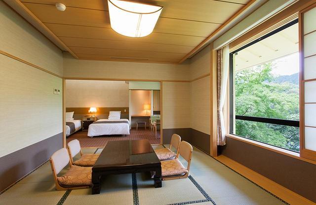 画像: ゆとりのある和洋室はバスルーム付き PHOTOGRAPHS: COURTESY OF JAPANESE STYLE HOTEL OKUTAMAJI