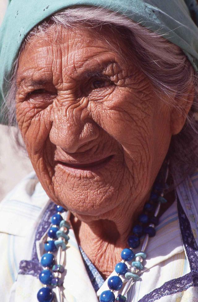 画像: 母なる大地を守り続けた貌には深い皺が刻まれていた