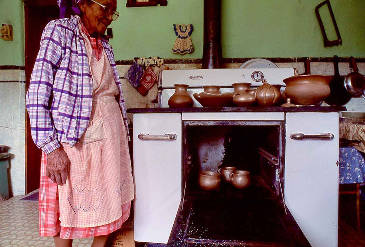 Images : 5番目の画像 - 「私的な旅遺産<Vol.7> プエブロ・インディアンの村 〜マザーアースの土器」のアルバム - T JAPAN:The New York Times Style Magazine 公式サイト