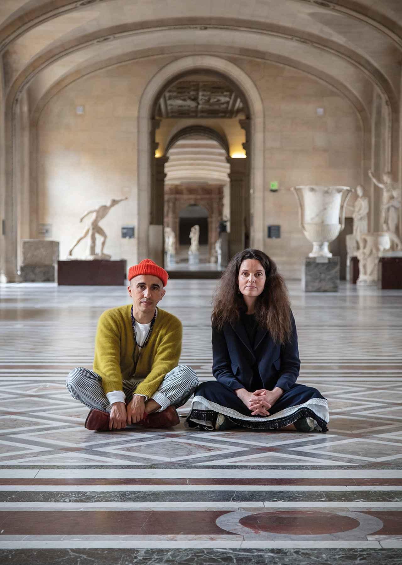 Images : 1番目の画像 - 「ルーヴル美術館名作のエスプリを 肌にまとう。オフィシーヌ・ ユニヴェルセル・ビュリーの冒険」のアルバム - T JAPAN:The New York Times Style Magazine 公式サイト