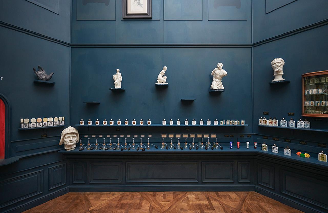 Images : 6番目の画像 - 「ルーヴル美術館名作のエスプリを 肌にまとう。オフィシーヌ・ ユニヴェルセル・ビュリーの冒険」のアルバム - T JAPAN:The New York Times Style Magazine 公式サイト