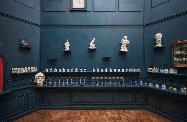 画像: 美術館内ショップエリアに期間限定でオープンする「オフィシーヌ・ユニヴェルセル・ビュリー ルーヴル美術館店」 PHOTOGRAPHS: COURTESY OF OFFICINE UNIVERSELLE BULY