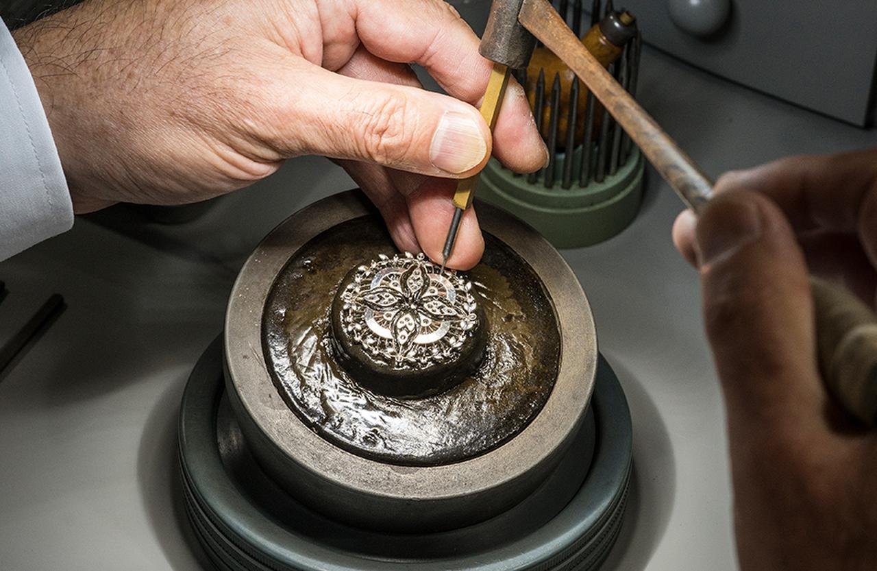 Images : 3番目の画像 - 「職人の手業から始まる美の物語。 ミキモトのクラフツマンシップと ジュエリー誕生の秘密を探る」のアルバム - T JAPAN:The New York Times Style Magazine 公式サイト