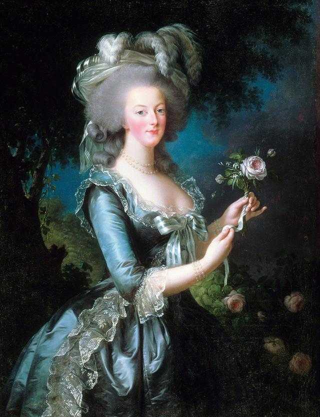 画像: マリー・アントワネット。彼女の夜遊びのおとももシャンパンだった!? © World History Archive / Picture-Alliance / Zeta Image