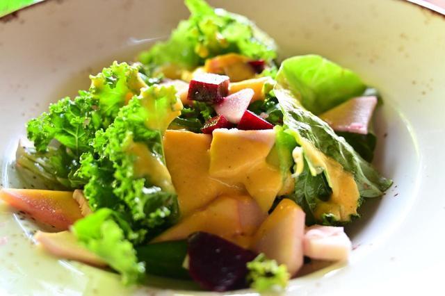 画像: 新鮮なオーガニック野菜を中心にしたメニューは目にも身体にも優しい