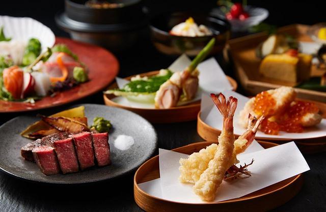 画像: レストラン「夏下冬上」は、朝・昼・夜とフル回転。夜のメニューは、鉄板焼きと天ぷらを中心に提供