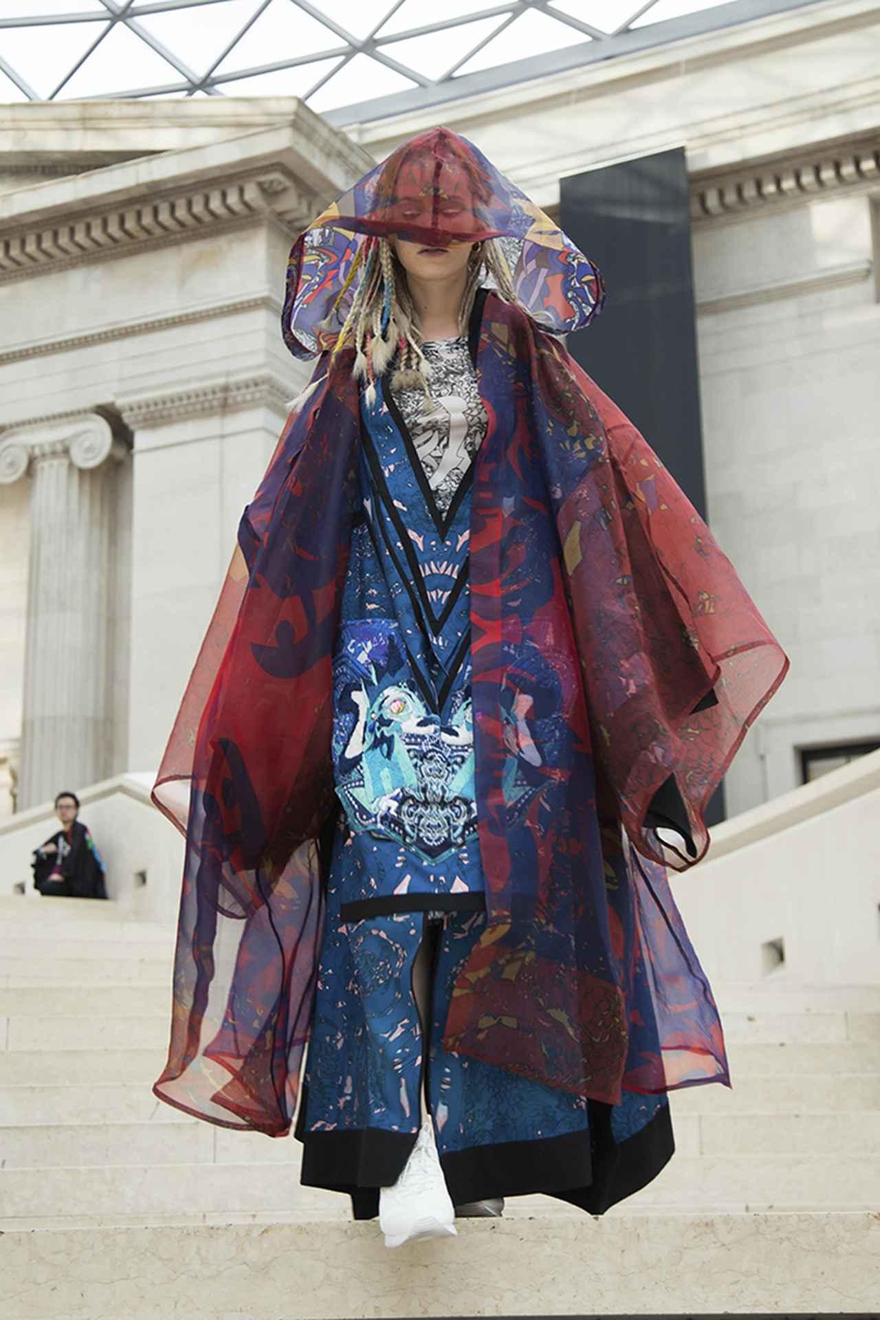 """Images : 3番目の画像 - 「山本寛斎、ロンドンで想う 「私の""""これから""""の仕事」」のアルバム - T JAPAN:The New York Times Style Magazine 公式サイト"""