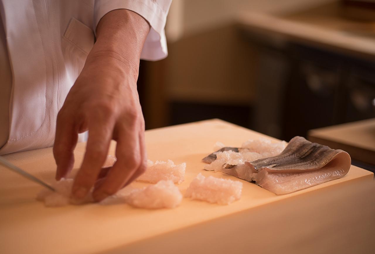 Images : 4番目の画像 - 「Vol.14 この店の、このひと皿。 「銀座ふじやま」の鱧茶漬け」のアルバム - T JAPAN:The New York Times Style Magazine 公式サイト
