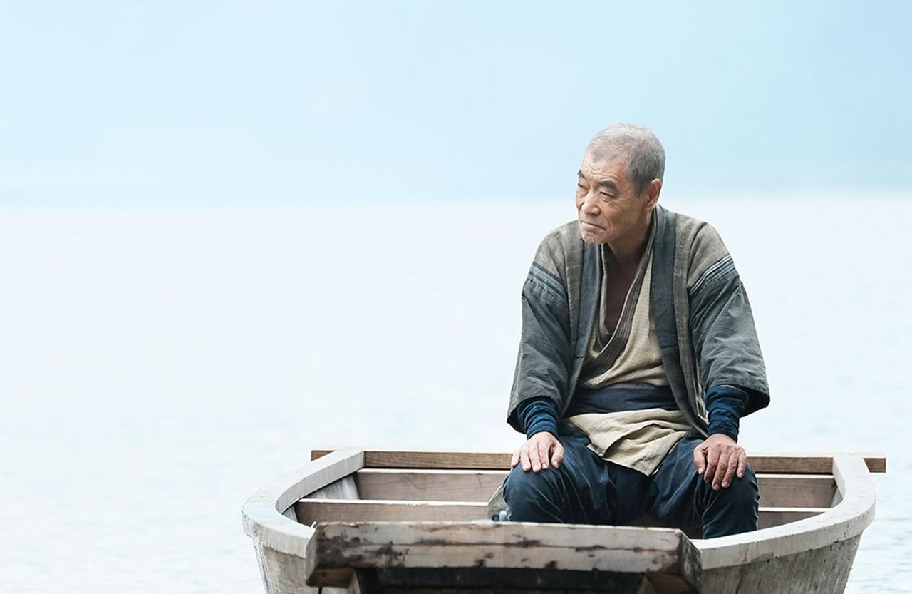 Images : 2番目の画像 - 「初長編作品『ある船頭の話』で ヴェネチア国際映画祭へ。 監督 オダギリ ジョーの覚悟」のアルバム - T JAPAN:The New York Times Style Magazine 公式サイト
