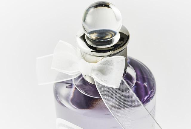 画像: 清楚かつ官能的なフローラル シトラスの香り