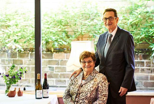画像: マルセル・ギガル氏と妻のベルナデットさん。ワイナリーは家族経営で、ベルナデットさんは経理やコミュニケーションを担当