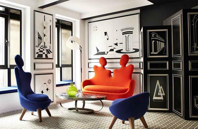 画像: 作品集『Vincent Darré Surreal Interiors of Paris』より。ホテル「モンタナ」内、セルジュ・ゲンスブールをイメージした客室