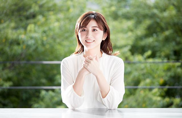 画像: 宇賀なつみ(NATSUMI UGA) フリーアナウンサー。1986年東京都生まれ。10年間勤務したテレビ朝日では、「羽鳥慎一モーニングショー」「池上彰のニュースそうだったのか」をはじめ、報道からバラエティまで数多くの人気番組に出演。2019年春に独立。現在、『川柳居酒屋なつみ』(テレビ朝日系・火曜深夜1:59~)などのレギュラー番組を担当するほか、講演やプロデュースなどに活動の場を広げている