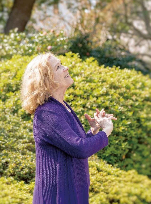 画像: LIV ULLMANN(リヴ・ウルマン) 女優、映画監督、演出家。1938年東京生まれ。ノルウェーで舞台と映画デビューを果たす。ベルイマン監督と出会い、『叫びとささやき』('72年)、『鏡の中の女』('76年)、『ある結婚の風景』('81年)などの名作を次々と世に送り出す。ハリウッドで活躍する一方、女性初のユニセフ親善大使に任命されるなど、アクティヴィストとしても知られる PHOTOGRAPH BY KIKUKO USUYAMA