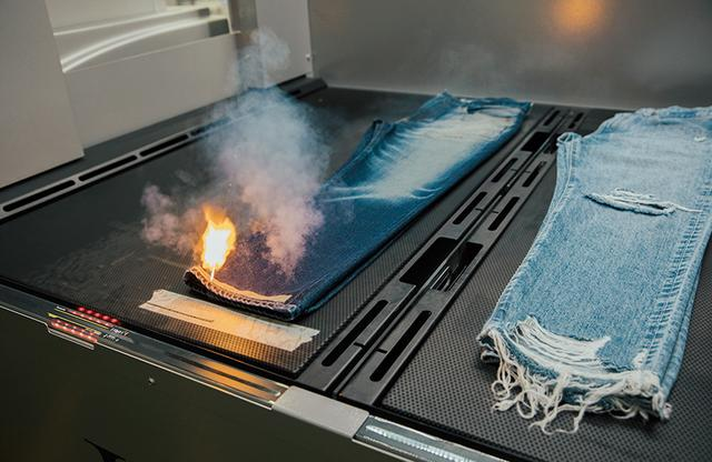 画像: リッピング(裂き)などの加工も、レーザーで焼き切ることで即座にできあがる