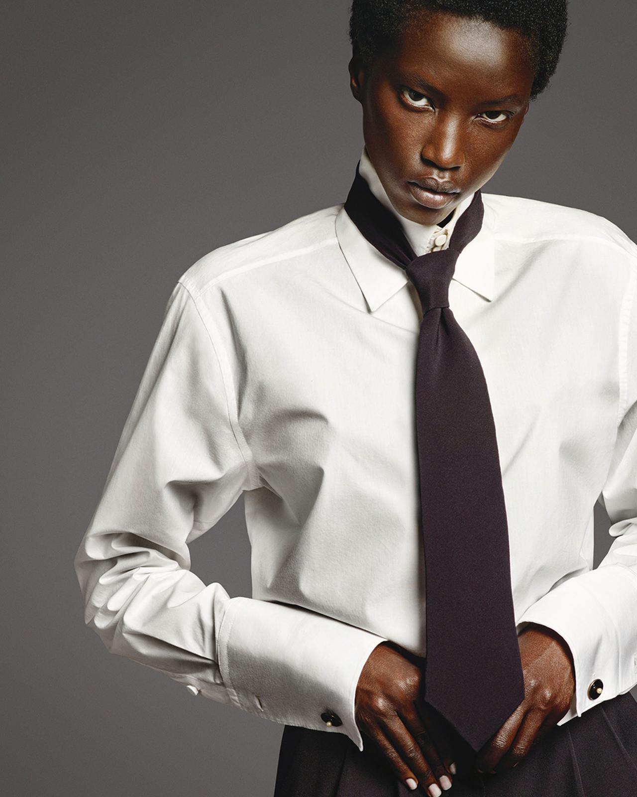 Images : 3番目の画像 - 「「シャツ」が誘う ジェンダーの枠をはずした 自由な精神の輝く新世界」のアルバム - T JAPAN:The New York Times Style Magazine 公式サイト