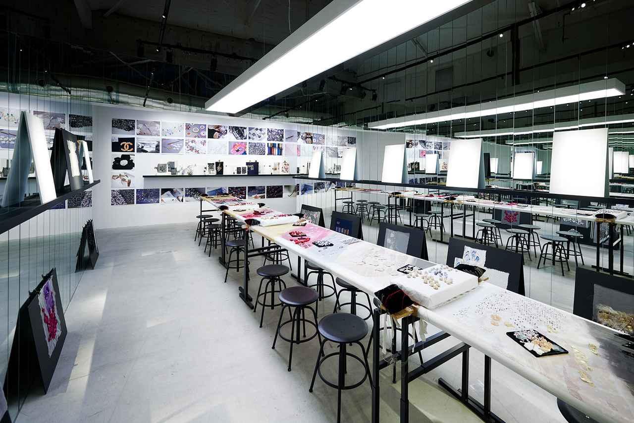 Images : 7番目の画像 - 「シャネルが受け継ぐものーー 3つのクリエイションと 5つのコード・カラーの秘密」のアルバム - T JAPAN:The New York Times Style Magazine 公式サイト