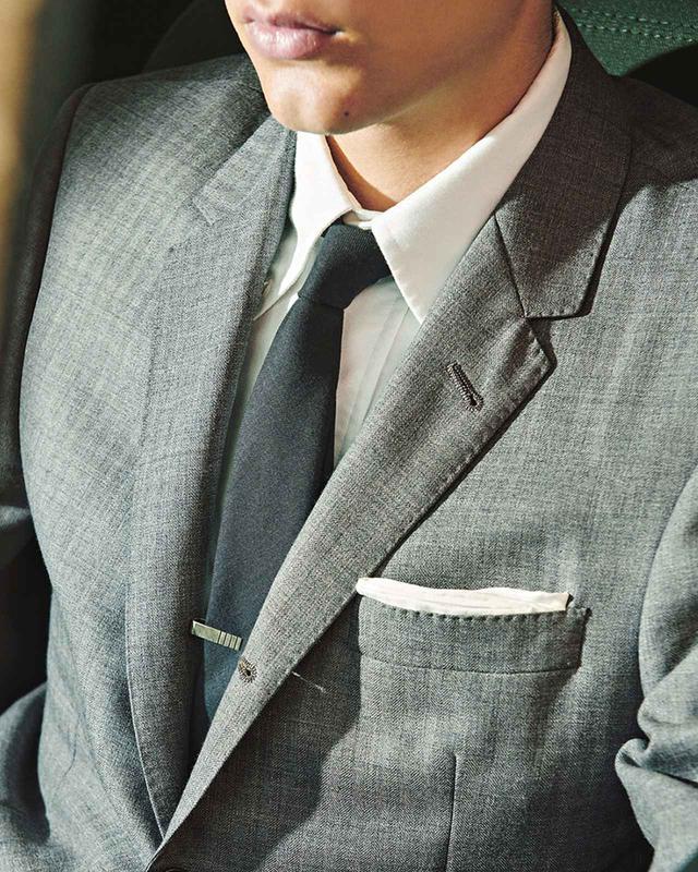 画像1: T JAPAN's Choice 胸元のさりげないテクニックが 男のオンタイムの決め手