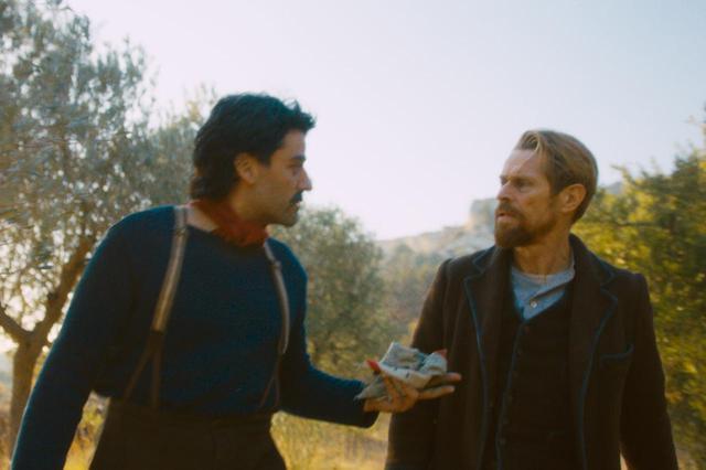画像: ゴーギャン(左:オスカー・アイザック)はゴッホと一緒に暮らし、やがて去ってゆく © Walk Home Productions LLC 2018
