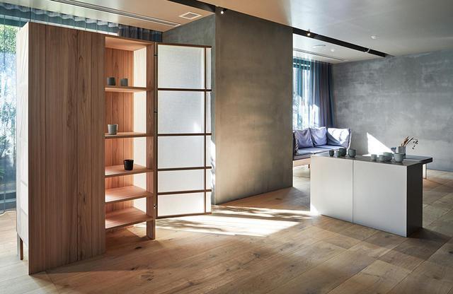 画像: TOKYO CRAFT ROOM<78㎡> ホテルの2階にある1室のみの部屋。デザイナー柳原照弘さんのクリエイティブ・ディレクションのもと、国内外のアーティストと職人が手がけるアイテムが設置され、もちろん宿泊可能
