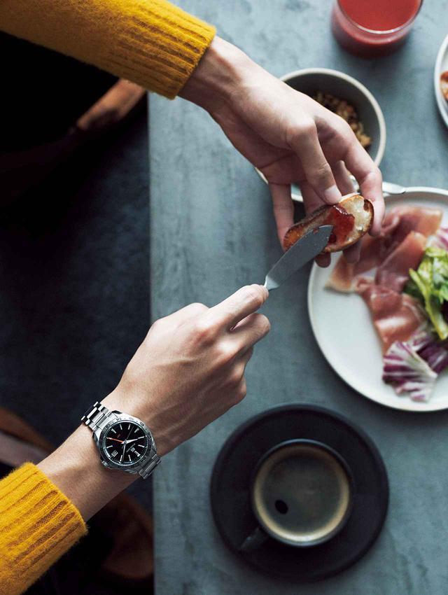 画像2: その腕時計は、 旅の記憶を刻む