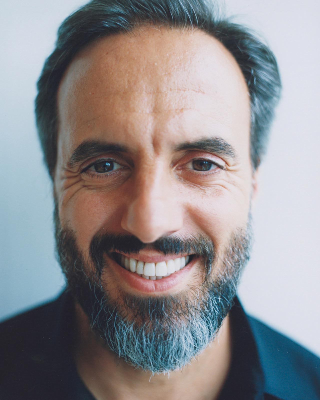 画像: JOSÉ NEVES(ジョゼ・ネヴェス) ポルトガル出身。ファーフェッチ創業者、CEO。1990年代半ばにシューズブランド「Swear」を創立。8歳の頃から学んでいたプログラミング技術をいかし、リテールビジネスのB-Storeなどを起業。次世代のビジネスマンとしても世界から注目されている PHOTOGRAPH BY YUTO KUDO