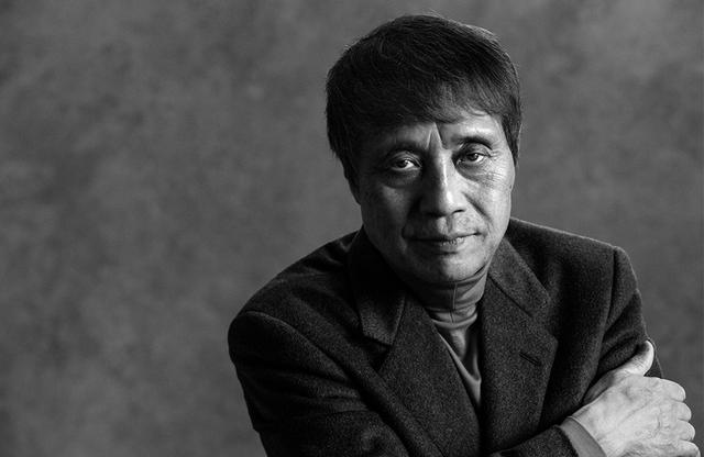 画像: 安藤忠雄(TADAO ANDO) 建築家。1941年大阪生まれ。独学で建築を学び、1969年に安藤忠雄建築研究所を設立。建築界のノーベル賞とも呼ばれるプリツカー賞をはじめ、世界中で数々の賞に輝いている PHOTOGRAPH BY KAZUMI KURIGAMI