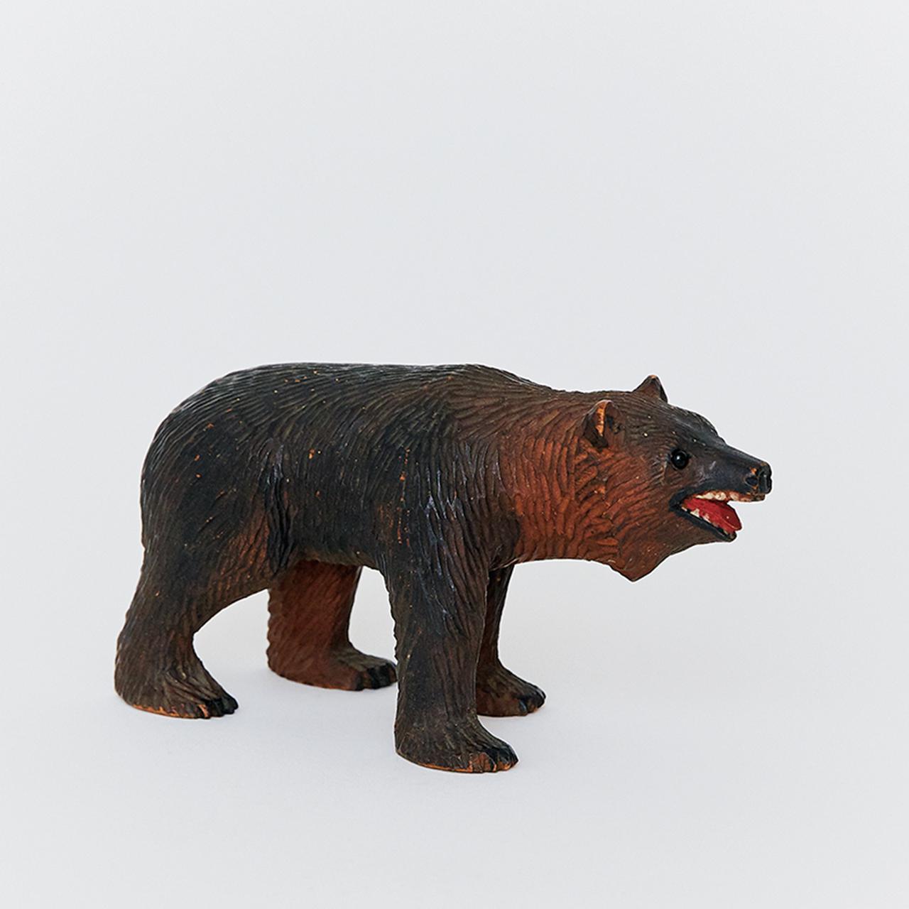 Images : 6番目の画像 - 「連載 Vol.10 コレクションは持ち主を語る。 編集者、安藤夏樹の木彫り熊」のアルバム - T JAPAN:The New York Times Style Magazine 公式サイト