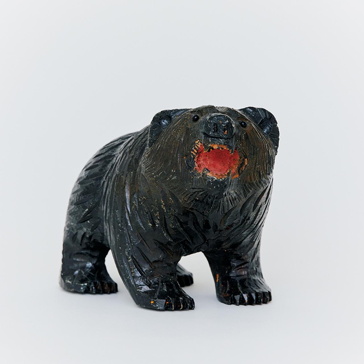 Images : 2番目の画像 - 「連載 Vol.10 コレクションは持ち主を語る。 編集者、安藤夏樹の木彫り熊」のアルバム - T JAPAN:The New York Times Style Magazine 公式サイト