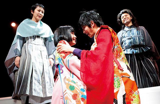 画像: 松たか子と上川隆也、広瀬すずと志尊淳。二組のロミオとジュリエットの物語が時代を超えて重なり合う