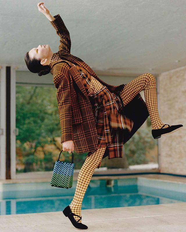 画像1: チェックは踊る―― プレイフルな冬のレイヤード