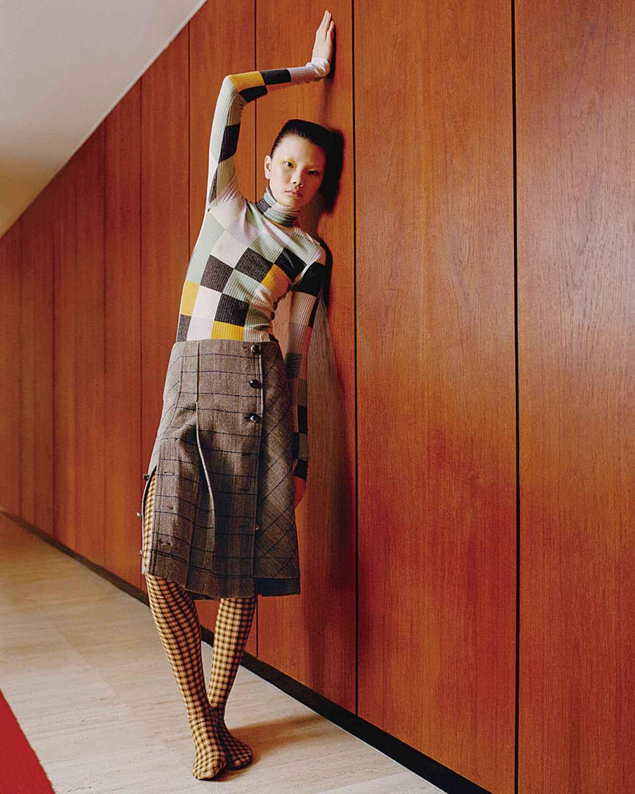 Images : 4番目の画像 - 「チェックは踊る―― プレイフルな冬のレイヤード」のアルバム - T JAPAN:The New York Times Style Magazine 公式サイト