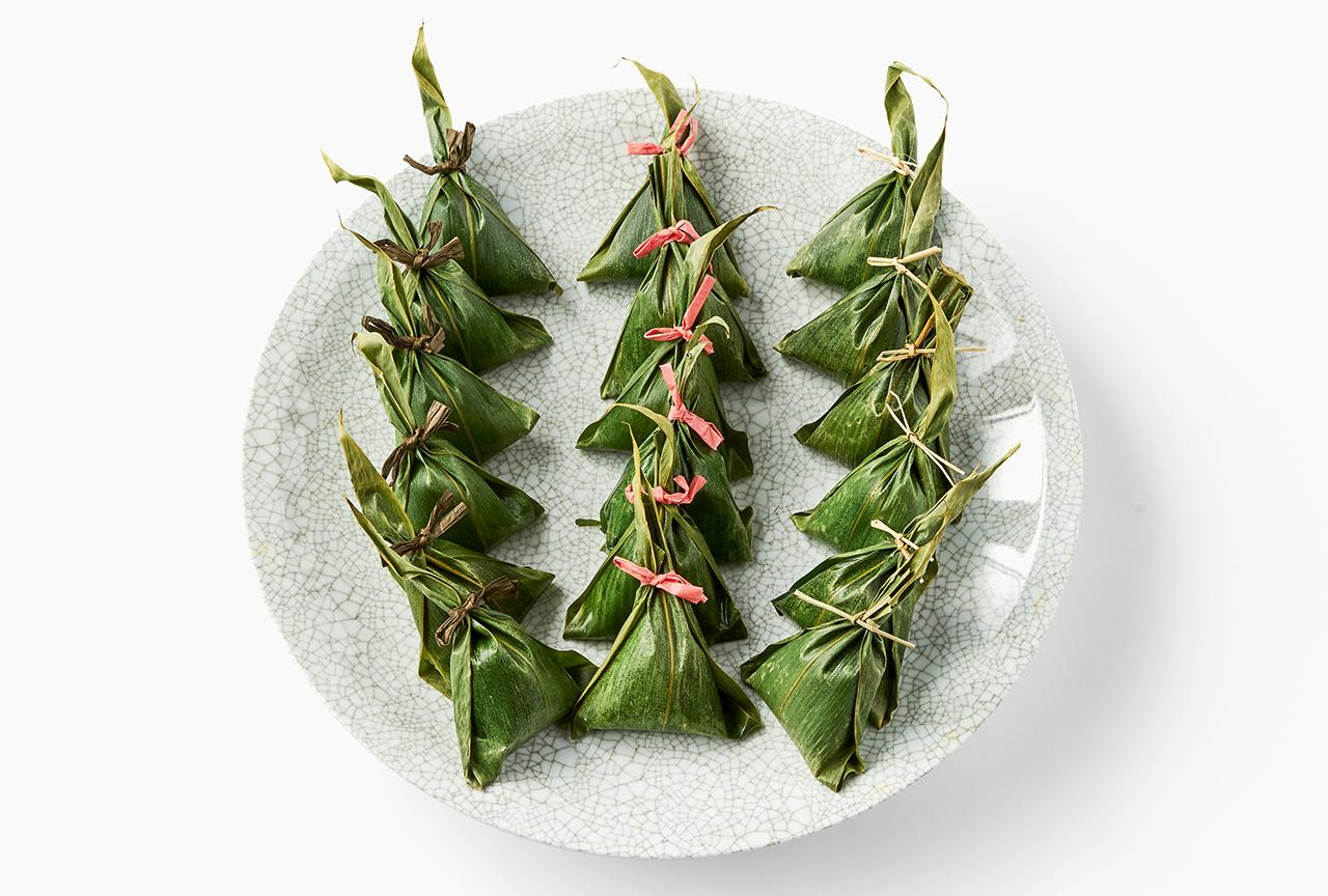 Images : 角谷製菓の「笹巻おこわ」