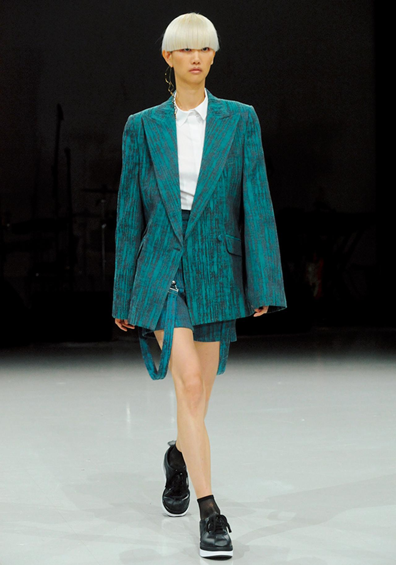 Images : 2番目の画像 - 「栗野宏文が考察する ファッションがアフリカに見る 未来の可能性」のアルバム - T JAPAN:The New York Times Style Magazine 公式サイト