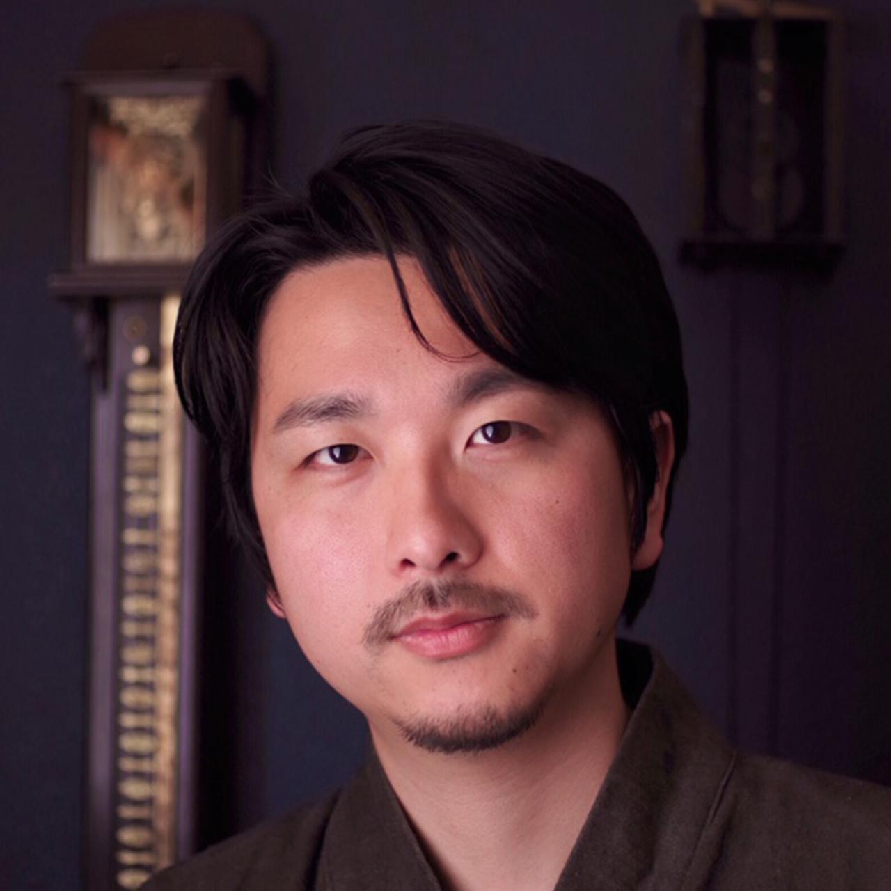 画像: 菊野昌宏(MASAHIRO KIKUNO) 1983年生まれ。北海道出身。2008年ヒコ・みづのジュエリーカレッジ卒業後、研修生として自身の作品を製作。同校講師を経て'12年に独立。'11年よりAHCI準会員、'13年より同正会員