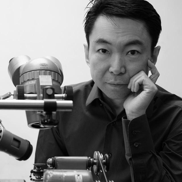 画像: 浅岡 肇(HAJIME ASAOKA) 1965年生まれ。神奈川県出身。1990年東京藝術大学デザイン科卒業後、プロダクトデザインやCGなどを手掛ける。2009年に初作「トゥールビヨン#1」を完成。'13年よりAHCI準会員、'15年より同正会員