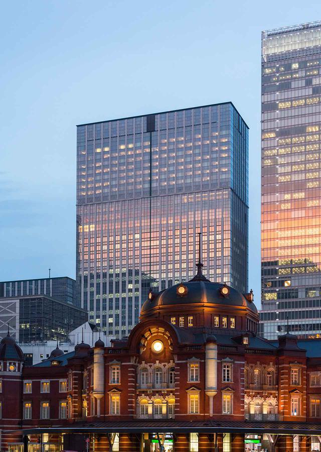 画像: 東京駅からは日本橋口を出れば徒歩1分。隣接のトラストタワー内にホテルがある