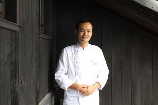 レストラン「トラヴィーニュ」の佐藤 龍シェフ