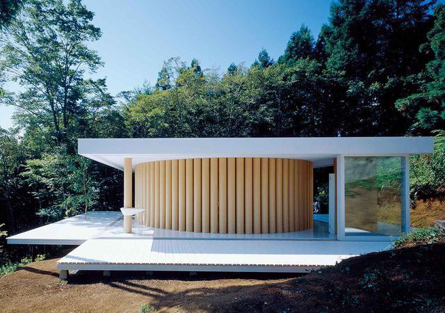 画像: 「紙の家」(1995年)。富士山の近くにある坂の別荘 HIROYUKI HIRAI