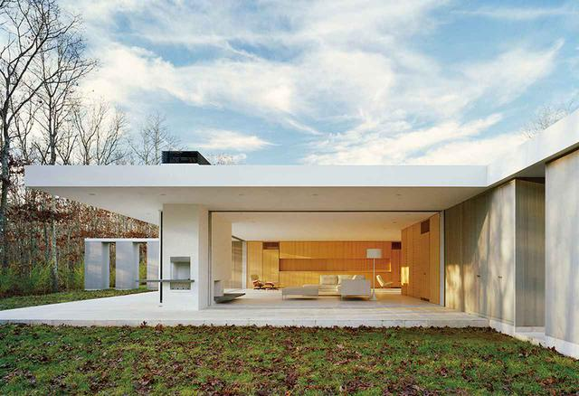 画像: ニューヨーク州サガポナックにある「サガポナック・ハウス(The Furniture House 5)」(2006年) MICHAEL MORAN/OTTO