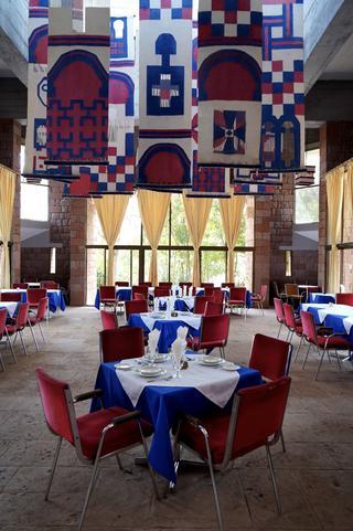 ロハ ホテルの食堂