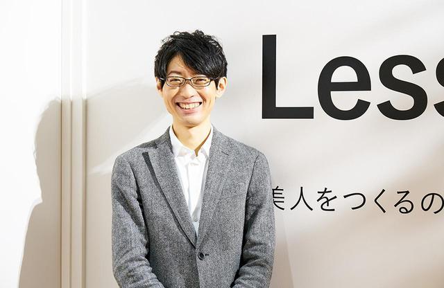 画像: 吉田 誠(MAKOTO YOSHIDA) ヤーマン ブランド戦略本部 マーケティンググループ主任。大学では工学部 生命工学科で、唇や頬から血糖値などの血液状態を評価する研究に従事。そこから美容や健康の分野に興味を持ち、ヤーマンに入社。5年間開発設計部に在籍した後、商品企画を手がけ、数多くのヒット製品を生み出す