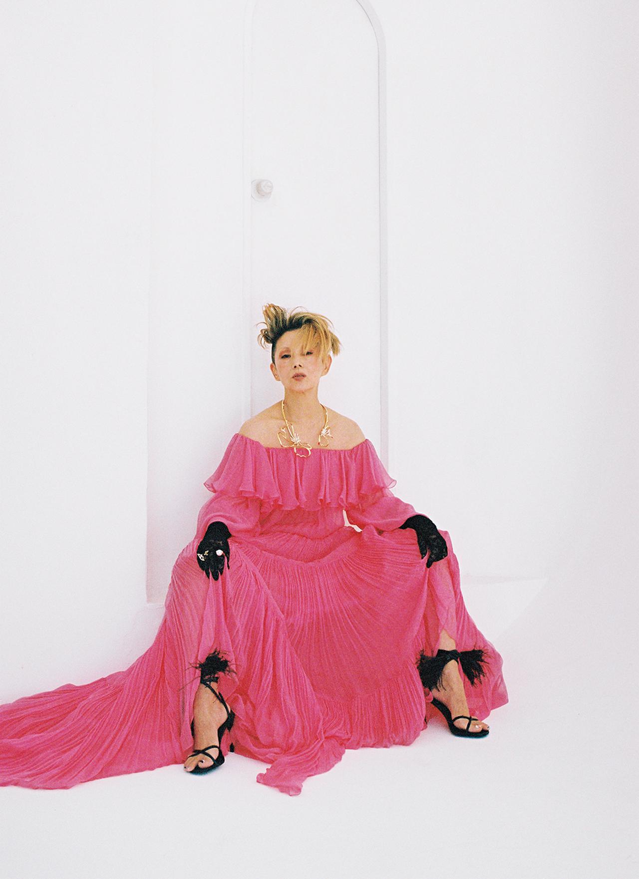 Images : 咲き誇るかのようなバラ色のドレス