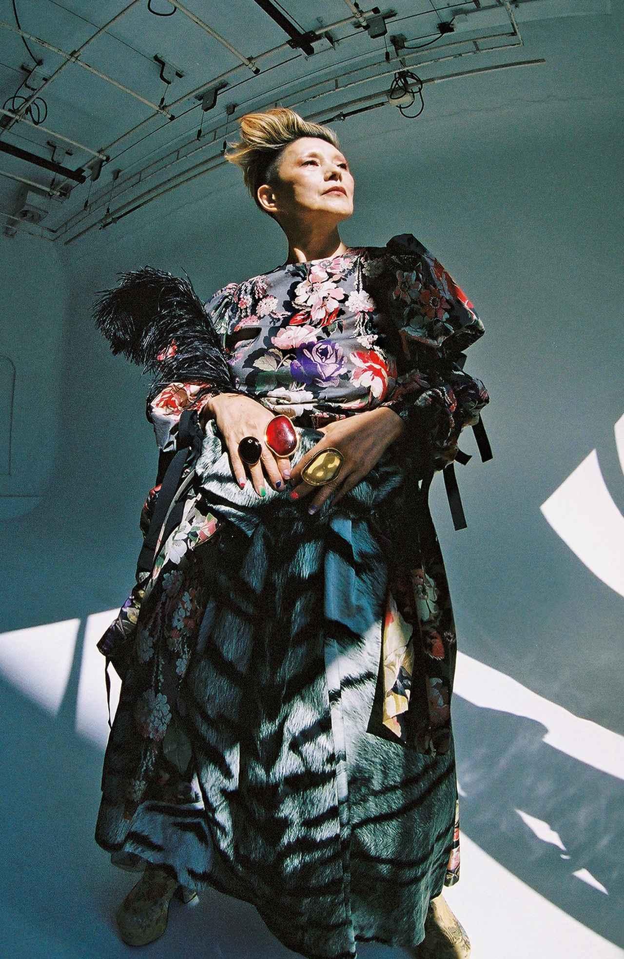 "Images : 6番目の画像 - 「人生の花のときーー 夏木マリが語る""愛""の話」のアルバム - T JAPAN:The New York Times Style Magazine 公式サイト"