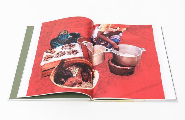 画像: 2019年に発売されたレシピブック『More Than Our Bellies』。写真家ヴィヴィアン・サッセンによるアートワークがページを彩る